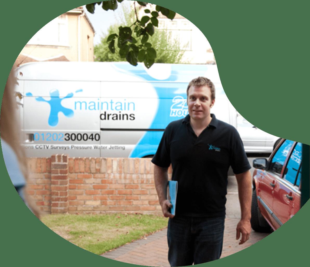 Maintain drains plumber visiting customer
